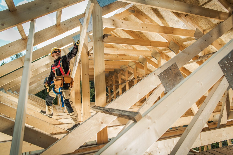 building wooden roof frame e1600423508305
